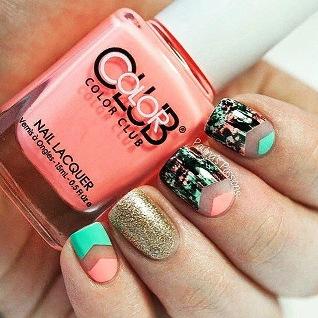 how cute are these pink & teal nails?!?