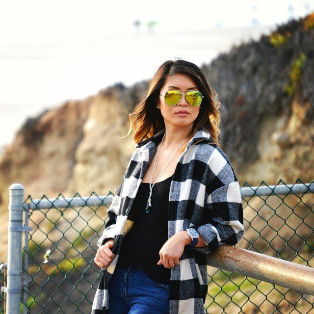 90s flannel vibe for that san diego ocean breeze